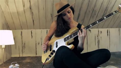 An amazing Girl plays Bass - Tears in heaven - YouTube