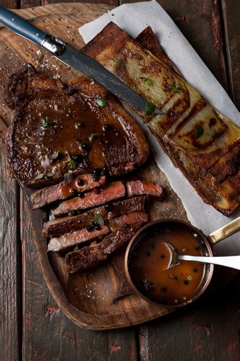 Grilled sirloin steak with whisky sauce | Food recipes