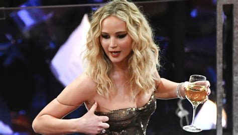 Jennifer Lawrence is all of us at the Oscars   Newshub