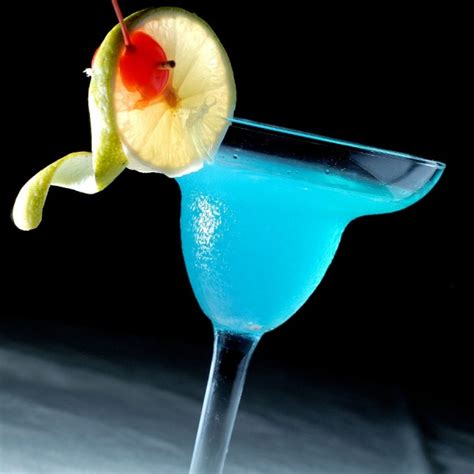 Recette cocktail Blue Lagoon - Cocktail Mag