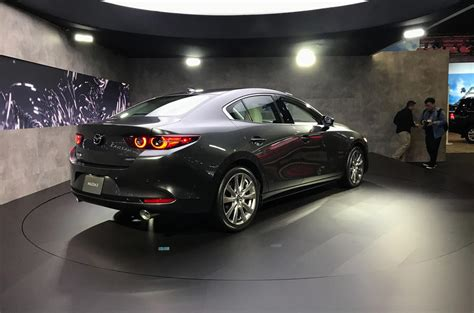 2019 Mazda 3 introduces innovative compression-ignition